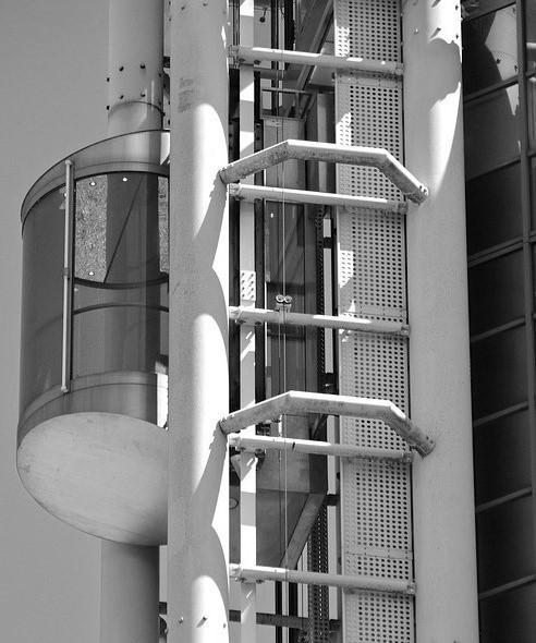 ascenseur gratte ciel
