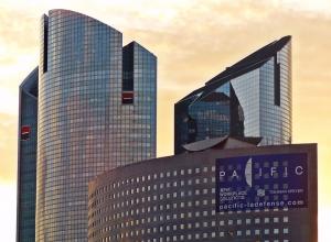 gratte-ciel la Défense à Paris